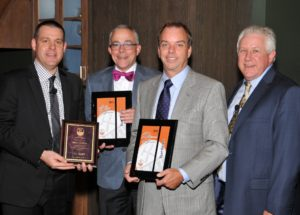 Stuart Kitchens Wins Rutt Platinum Dealer Award